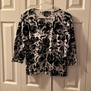 Plus sized cardigan pin up black and white floral